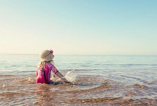 Παιδί και θάλασσα