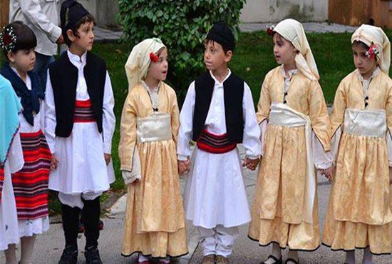 Οι παραδοσιακοί χοροί και τα οφέλη τους στην ανάπτυξη των παιδιών
