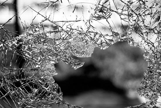 Βία στην οικογένεια: Πώς επηρεάζει τα παιδιά και τους εφήβους